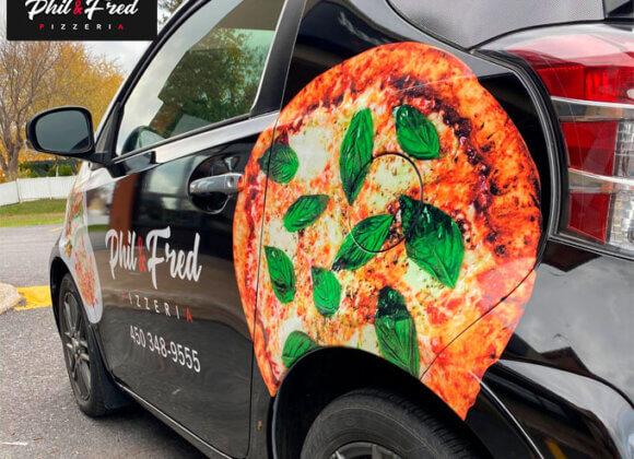 Phil & Fred : Les experts de la livraison de pizza!